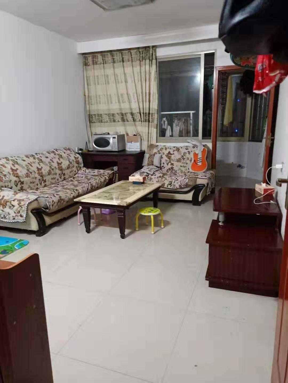 A02052出售三江城6楼,100平方,3室2厅1卫,清爽装修,车棚现浇卷闸门可开店,售价60万