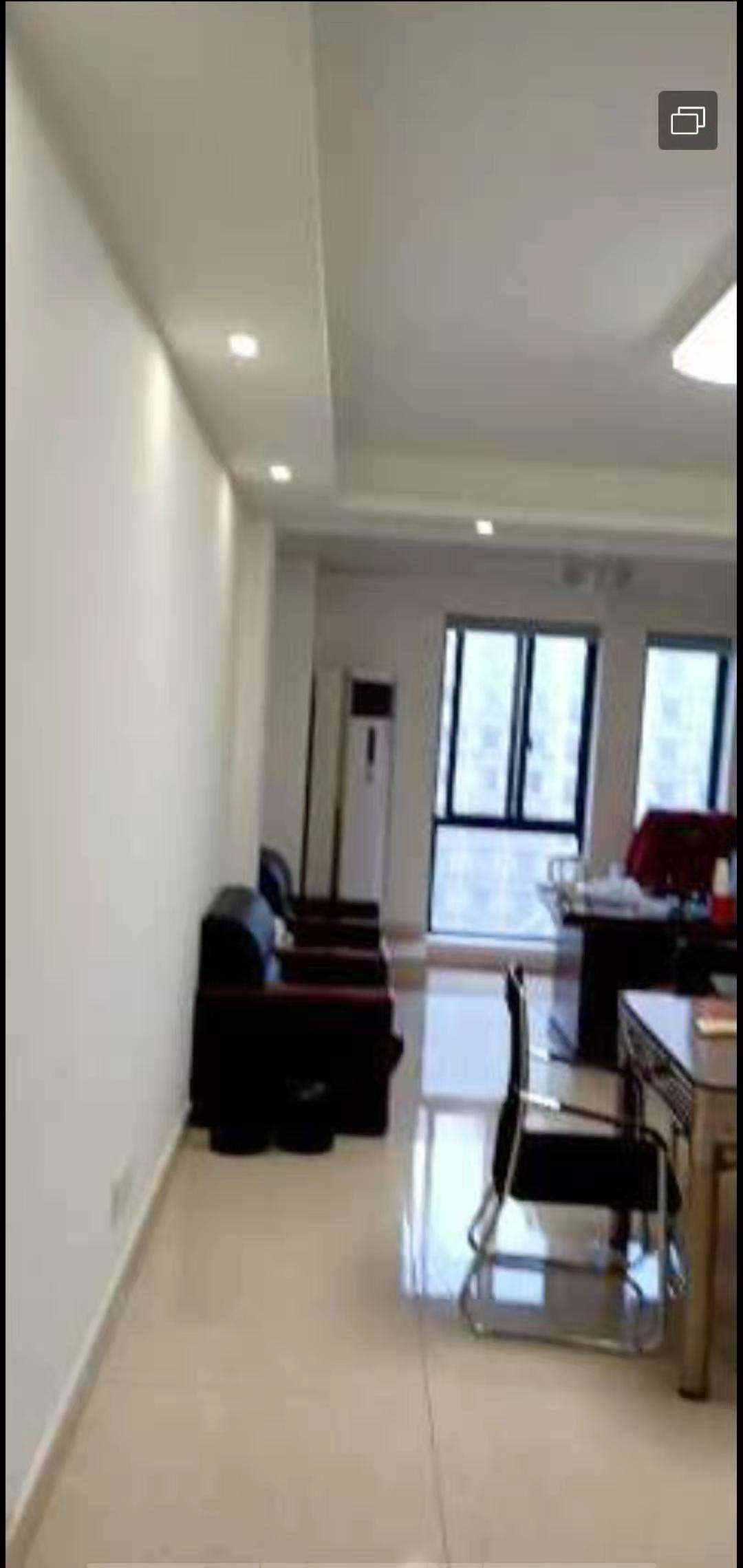 A02171出租世贸金樽单身公寓A幢11楼,47个平方,朝南,做办公室的!!!精装修,1700一个月的实拍照片