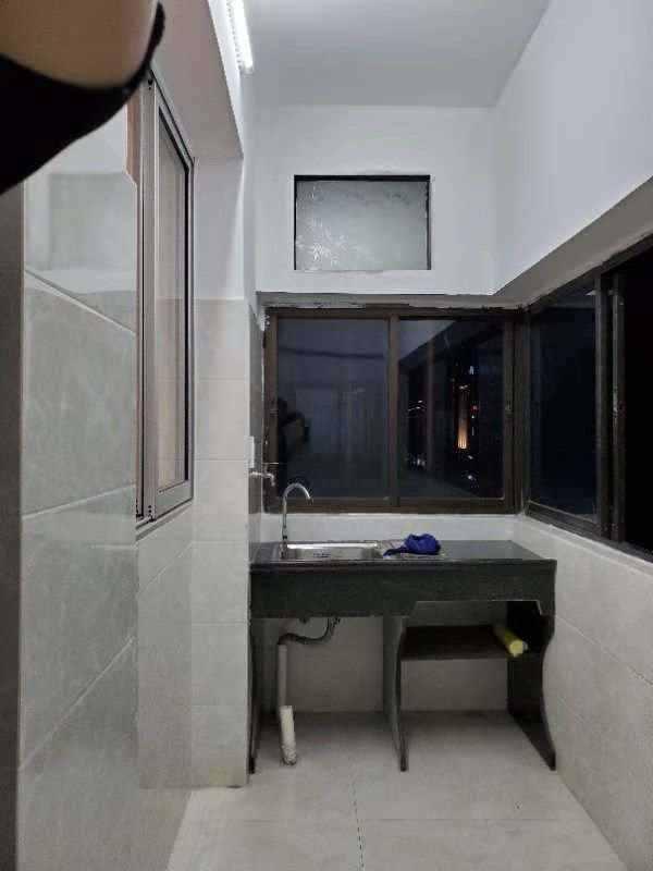 A02254出租东绣衣坊4楼,2室1厅1厨1卫,全新装修,家电齐全,拎包入住,1300元/月,诚心客户价格可商量的实拍照片
