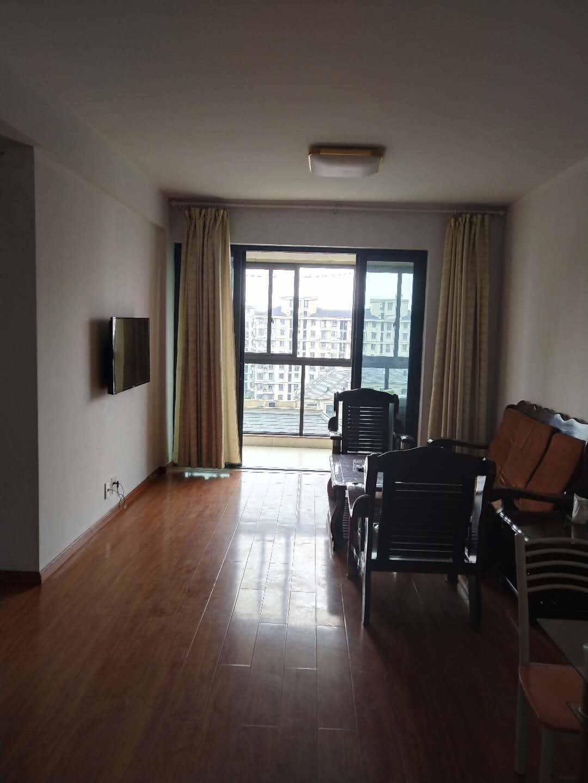 A03031出售出租玉兰花园10楼,产证上82平方,实用面积89平方,2室2厅1卫,双阳台,有自建阳台一个,中档装修,可拎包入住,价88.8万,2000/月