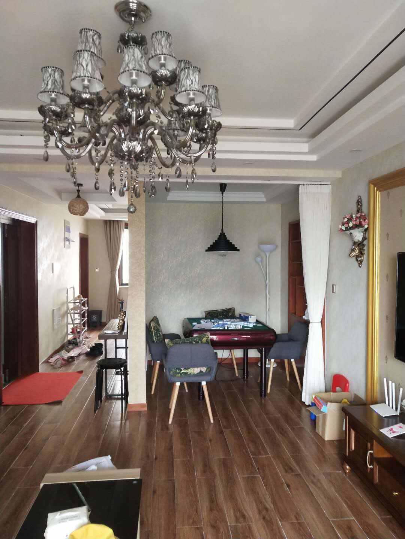 A03045出售城东赞成雍景园14楼,143.78平方米,3室2厅2卫,欧式精装修,装修好没怎么住人,售价135万
