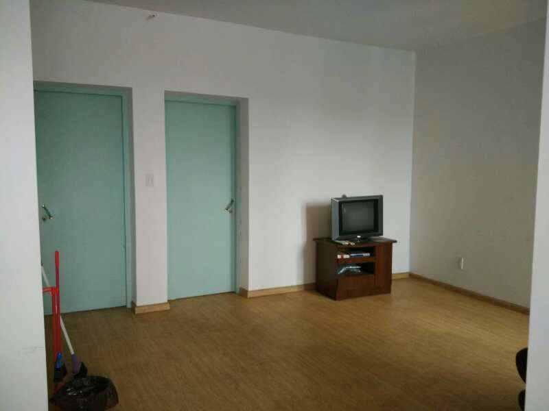 A030417出租城东开发区明珠花苑套房5/6,90平方,三室两厅一厨一卫,一户一梯,一中旁边,租金1600元/月的实拍照片