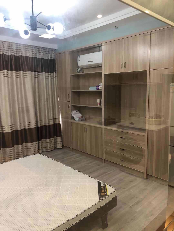 A03086出租和悦酒店式公寓55平方,13楼层.租价1800元/月的实拍照片