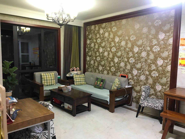 A04033出售城东玉兰花园10/30楼,89平方,3室2厅1卫,精装修,有一储藏室,售价98万