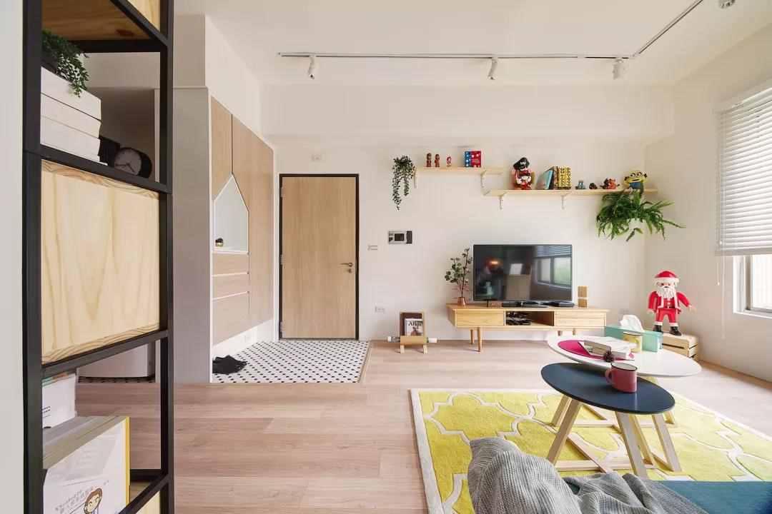【装修精选】75㎡小户型老房,用主卫换书房,色彩搭配得非常棒