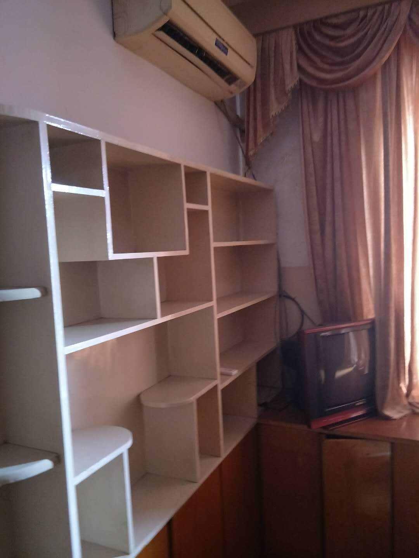 A05053出租东绣衣坊3楼,58平方,两室一厅一厨一卫,大阳台,900元/月的实拍照片