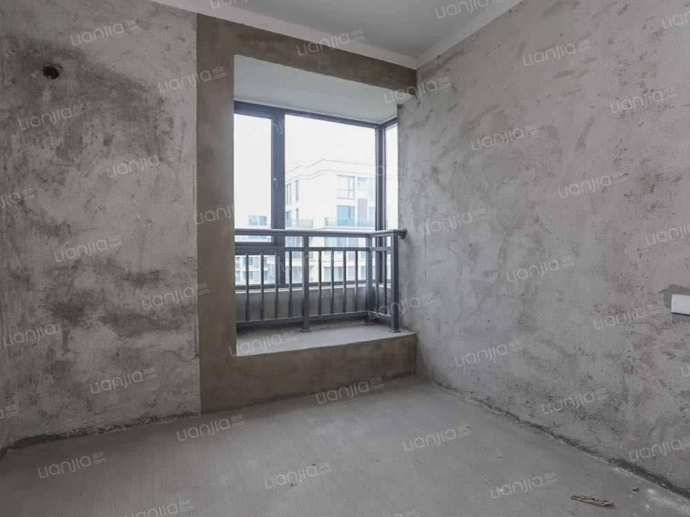 A05191出售浦口宝盈铭宏苑14楼,118平方,3室2室2卫,南北阳台,毛坯,楼王视野,售价118万的实拍照片