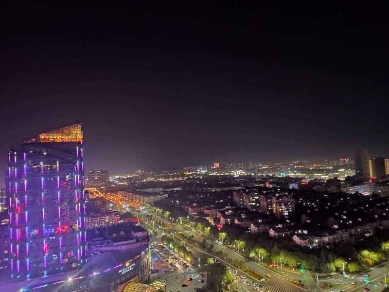 A05201正大新世界27楼,拎包入住价格2000一个月的实拍照片