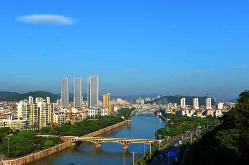 报名时间将至,新昌教体局发布2020年新昌县义教段学校和城区公办幼儿园招生公告
