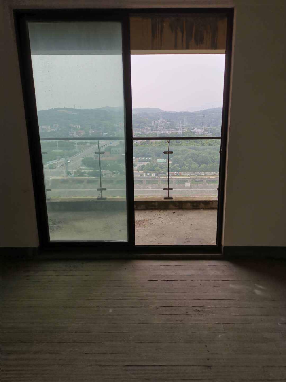 A06011出售:城西白鹭香溪最佳位置,最佳楼层,最佳户型,面积136平方,3室2厅2卫前后大阳台,毛坯,一口价125万的实拍照片