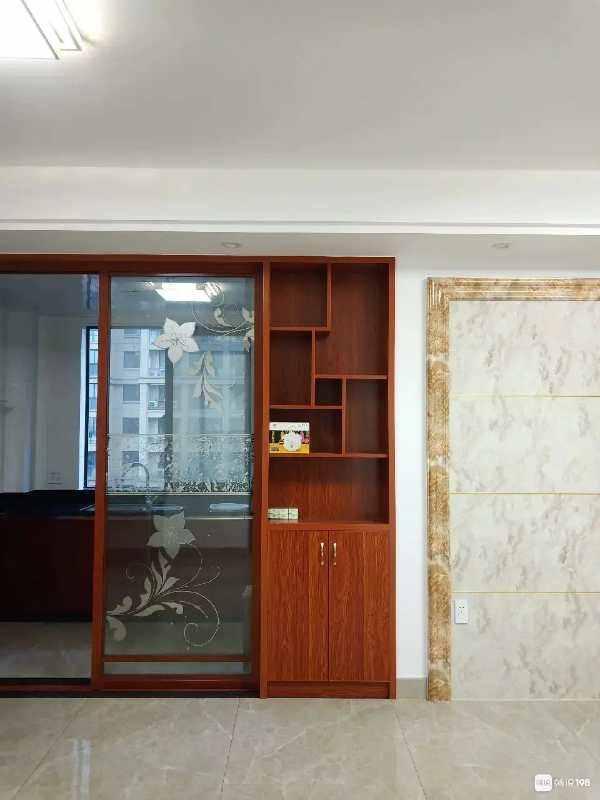A06112出租赞成雍景园5/29楼,二室二厅,精装修拎包入住,家电家具一应俱全,每月2600元的实拍照片
