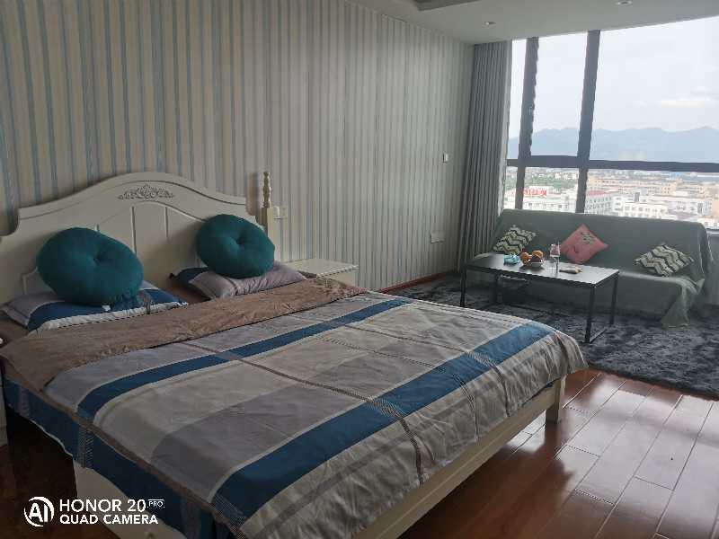 A07201急售城东和悦酒店式公寓10楼,56平方,1室1厨1卫,精装修,售价39万,看房方便