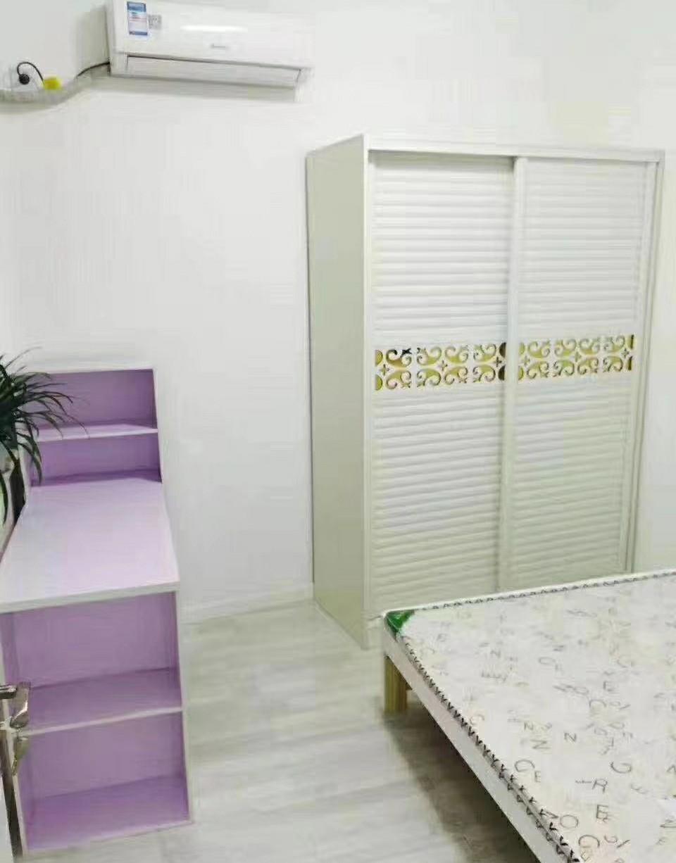 君越新天地精装3室家具家电齐全房出租的实拍照片