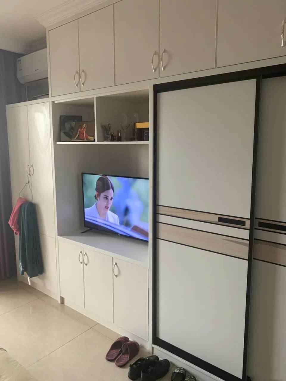 A09113出租城东和悦广场华美达单身公寓8楼,精装修,拎包入住,1700元/月的实拍照片