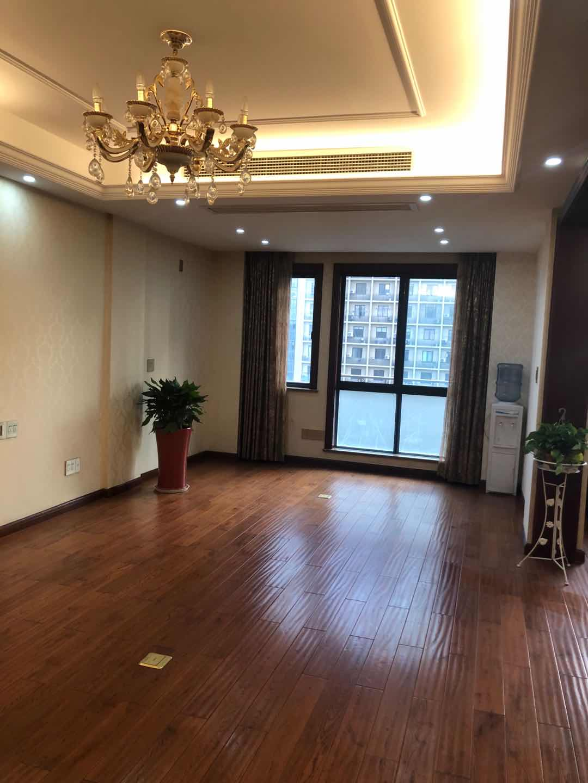 a0916出租世贸金樽9楼 朝南 可做办公室,精装修 租金40000元/年的实拍照片