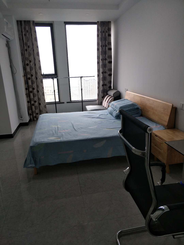 A09164出租城南吾悦广场公寓43平方,朝南,精装修,拎包入住,价格1900元/月,诚心可议的实拍照片