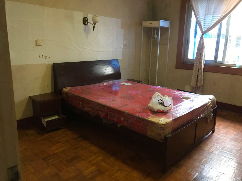 A10112出租城北安吉里套房2楼,75平,三室一厅,简装,停车方便,租金1200元/月的实拍照片