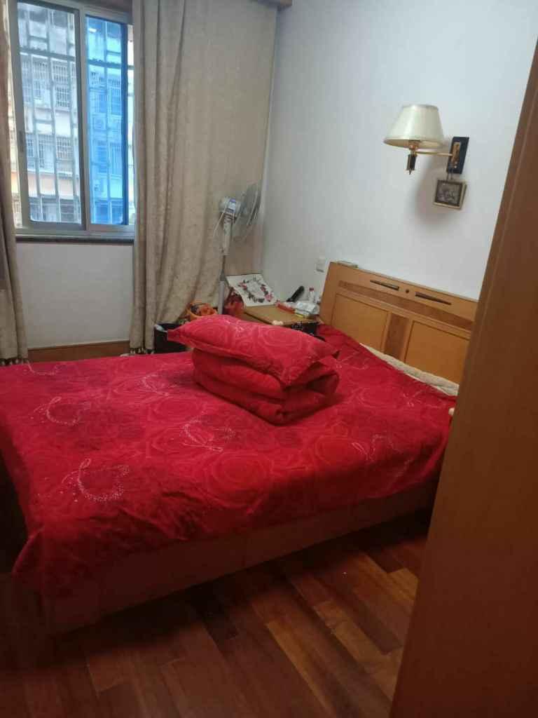 三江新村小面积5楼边套装修清爽的实拍照片