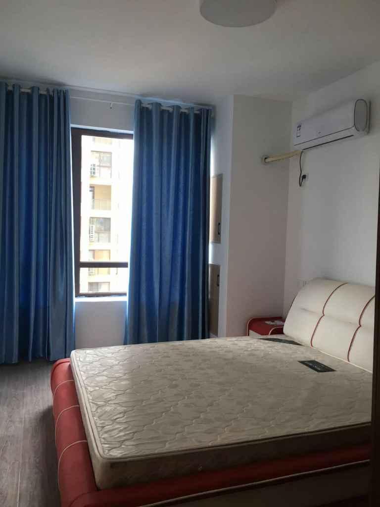 君悦新天地,全新装修,3室,阳光很好。城南新小区的实拍照片