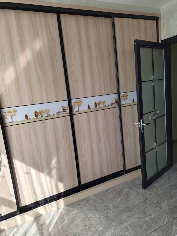 A11191出租城东和悦单身公寓9楼,56平方,一室一厅,家电齐全,拎包入住,包物业费1900元,有意者联系的实拍照片