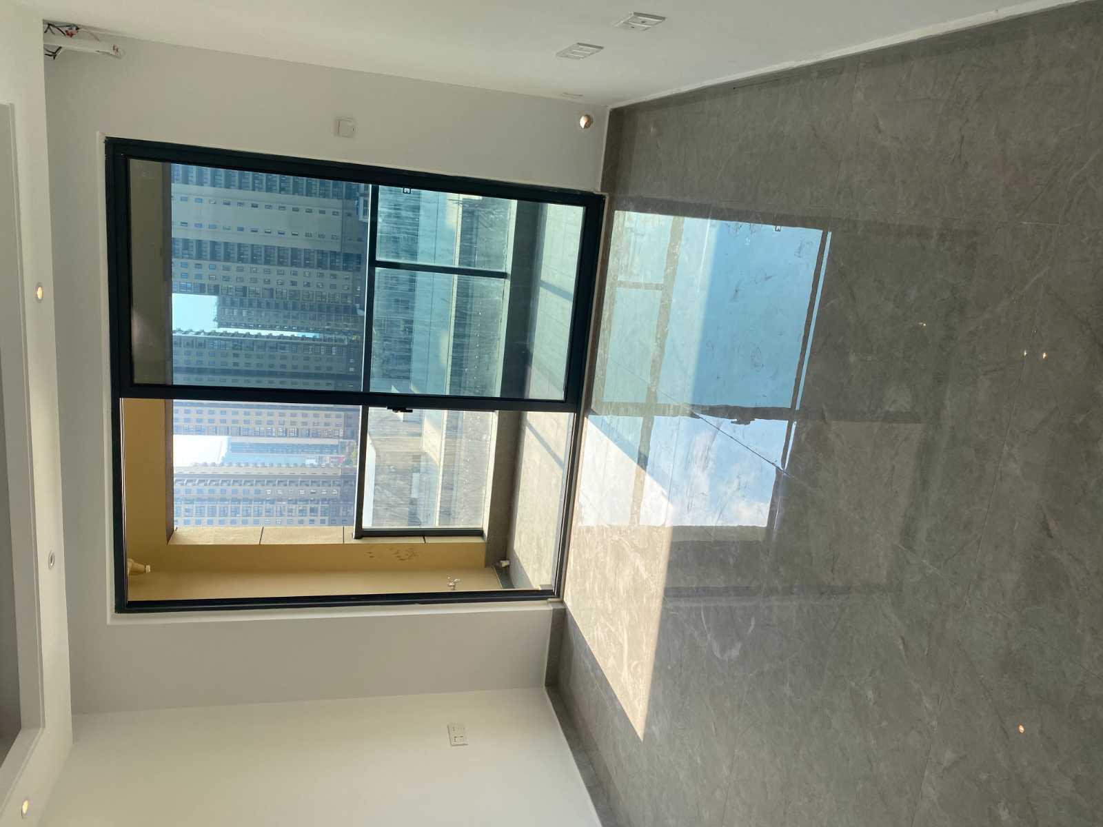 A12261出租新房名士颐景园63平,开发商精装空房,一室两厅一厨一卫,车位两个,2000/月的实拍照片