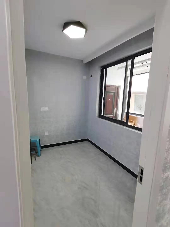 B021910出售南津路一楼,93平方,三室二厅一厨一卫一阳台,全新装修,城南小学,马寓初中学,售价73.8万的实拍照片